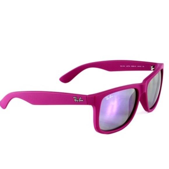 c530b1b655e54 NWOT Ray Ban Wayfarer Justin Sunglasses in Violet.  M 5aed15973800c53e3f7f8c3e